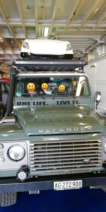 Ein wundervoller Land Rover Defender in der Korsika Ferry